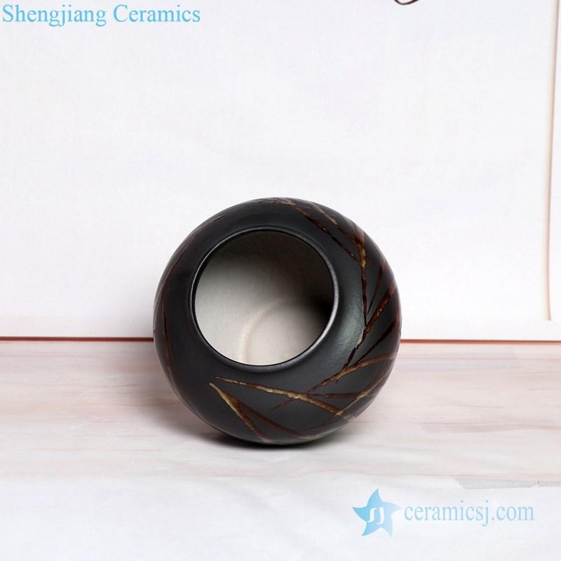 plain color carving ceramic vase