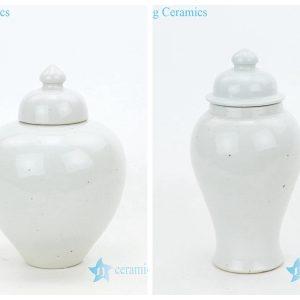 RZPI39-40 Best selling monochrome porcelain jar with candle knob lid