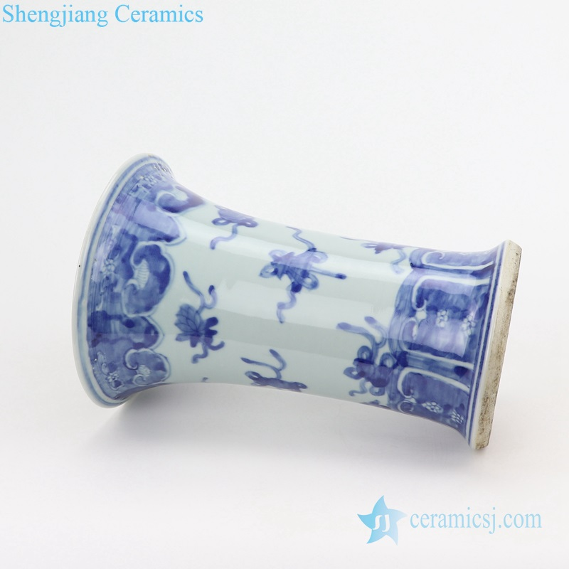 Blue and white round mouth vase side view