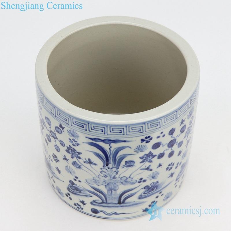 beautiful Chinese porcelain pencil vase