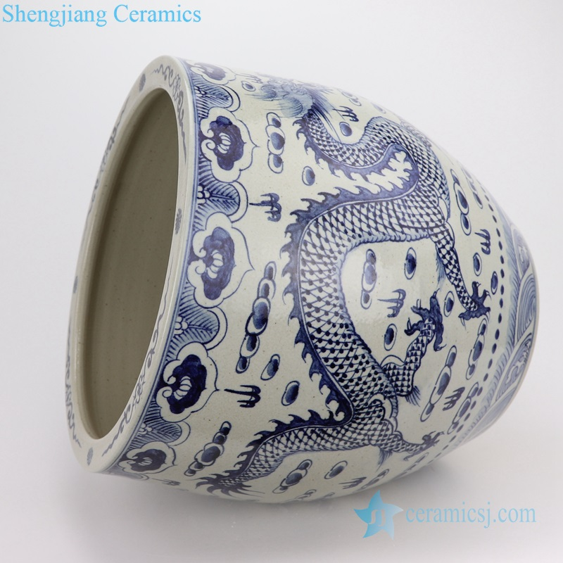 beautiful traditional Chinese dragon ceramic vat
