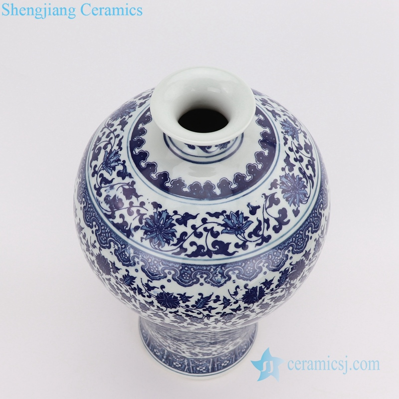 blue and white plum vase top view
