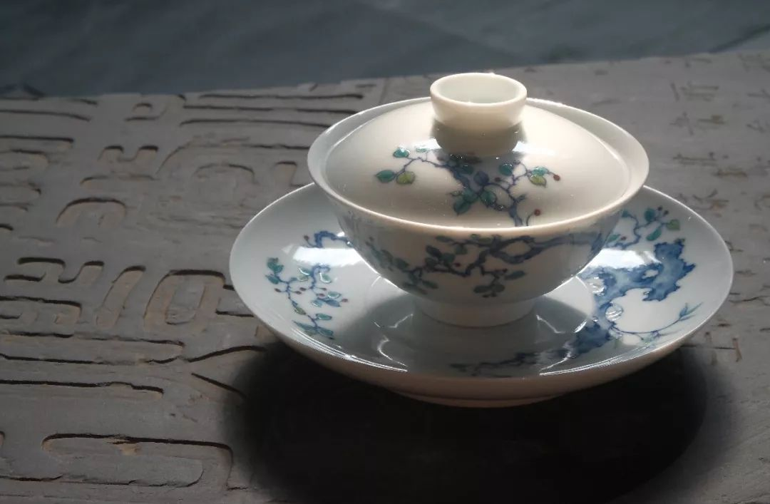Beautiful simple but elegant ceramic cover