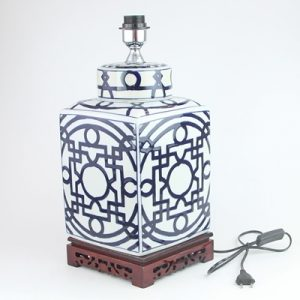 DS112-RYPU19 Qing Dynasty Blue and white square copper money grain tea pot ceramic lamp