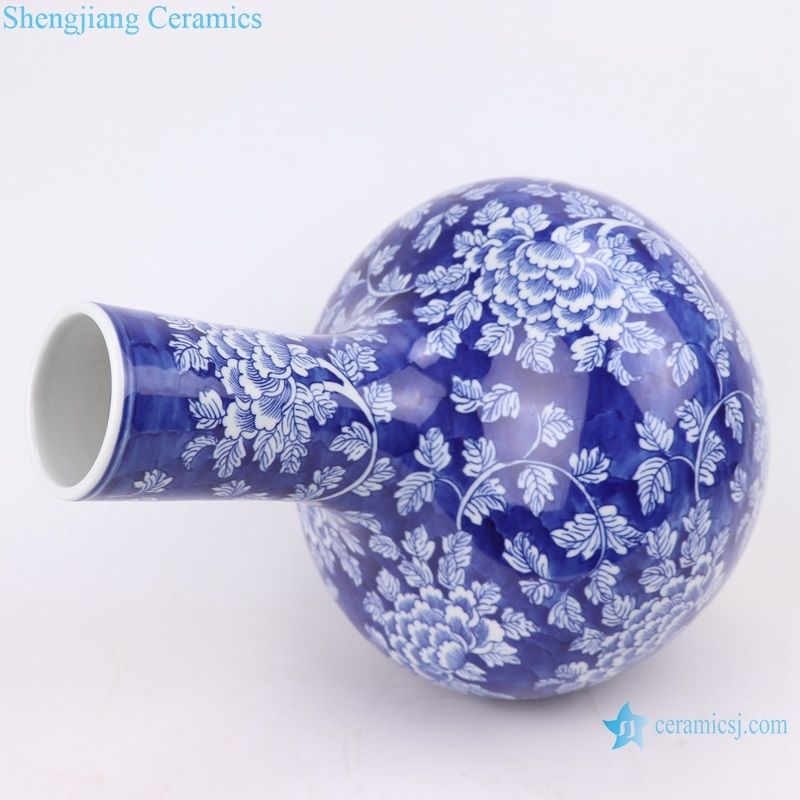Chinese style ice plum twined peony flower vase
