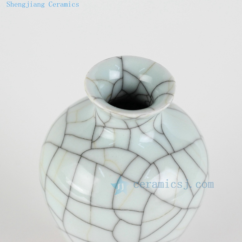 beautiful crack glaze wire grain vase top view