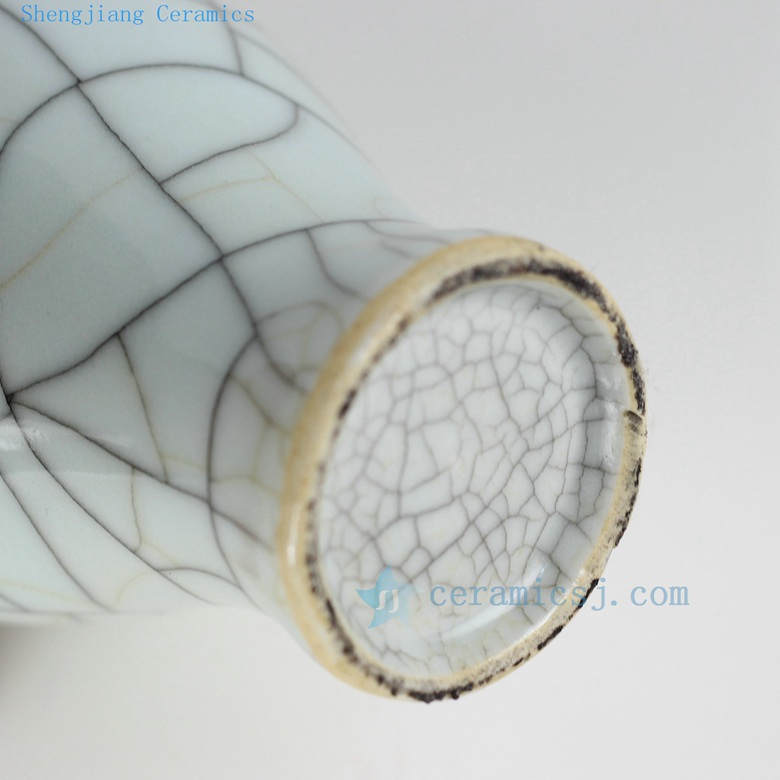 beautiful crack glaze wire grain vase bottom view