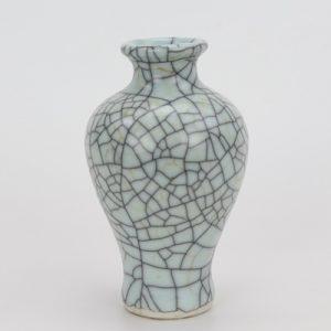 RYXC18-K Shengjiang Longquan celadon geyao crack glaze fishtail vases small vases