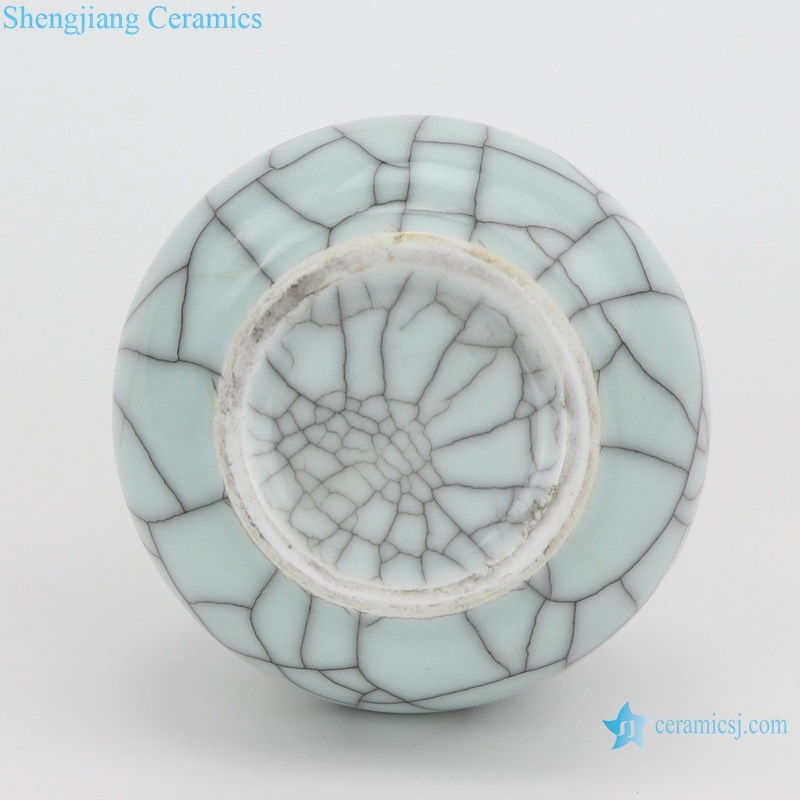 chinese style celadon crack glaze fishtail vases bottom