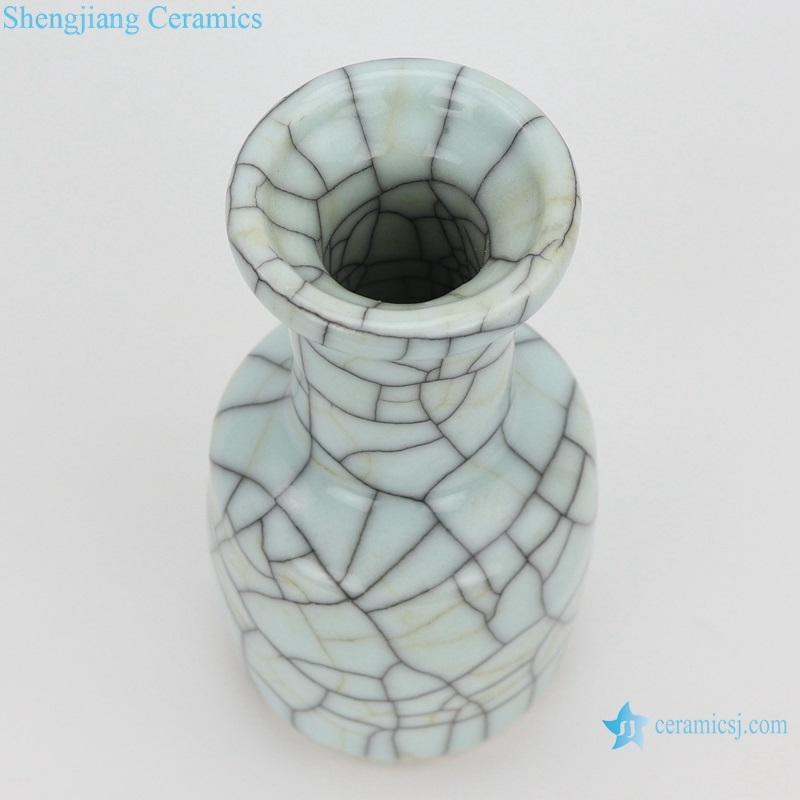 chinese crack glaze iron line grain vase