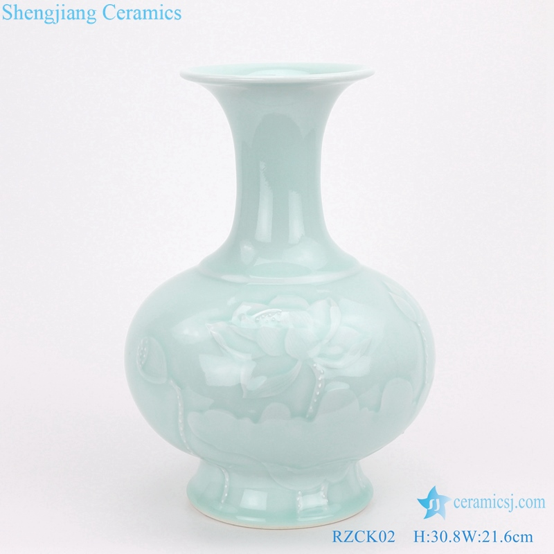 beautiful Chinese style porcelain vase