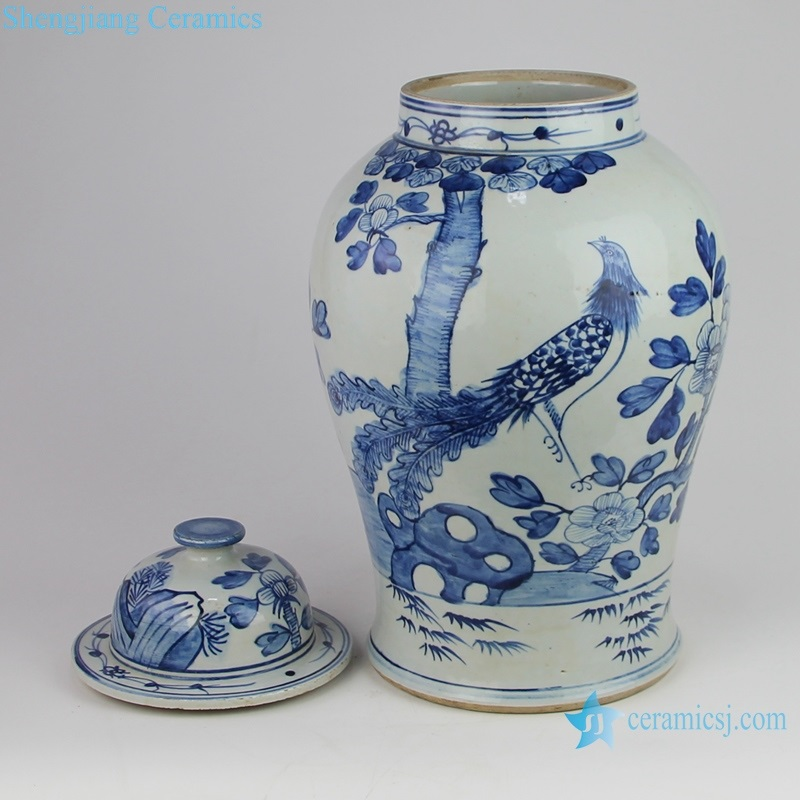 Archaize hand-painted blue and white storage pot