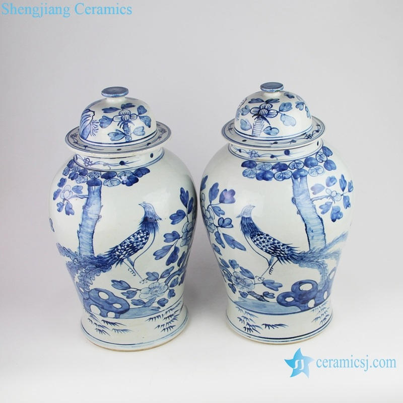 Chinese style blue and white general pot