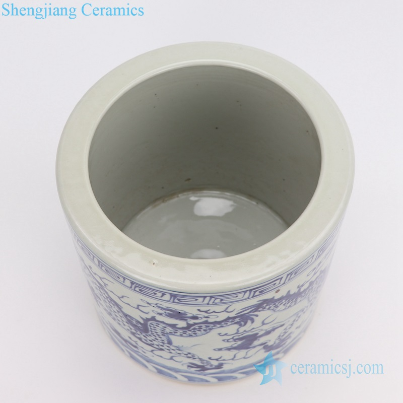 RZGC05 jingdezhen Blue and white cloud dragon sea water pen holder