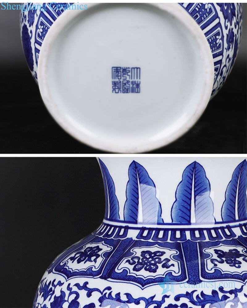 Jingdezhen White and white lotus gourd bottle detail