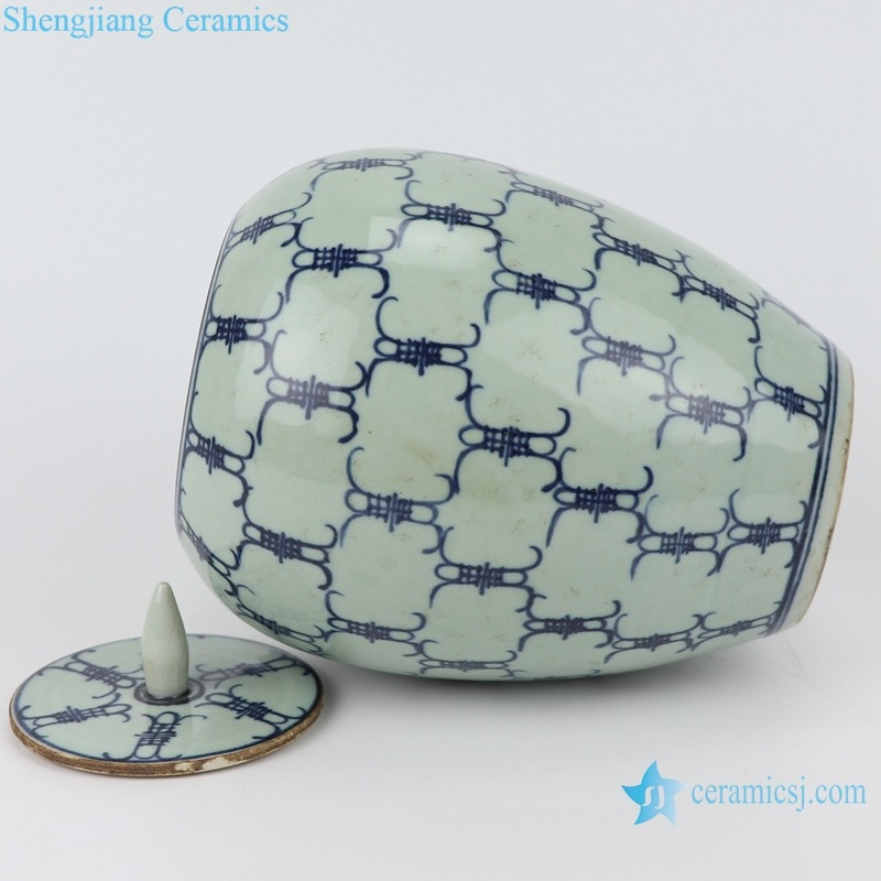 the side view of the blue and white china