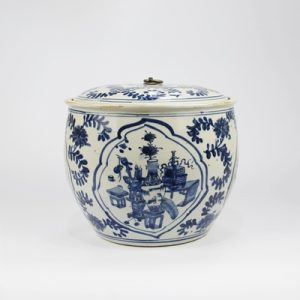 RZKT31 Archaized hand-painted blue and white portraiture tea canister with lid storage canister