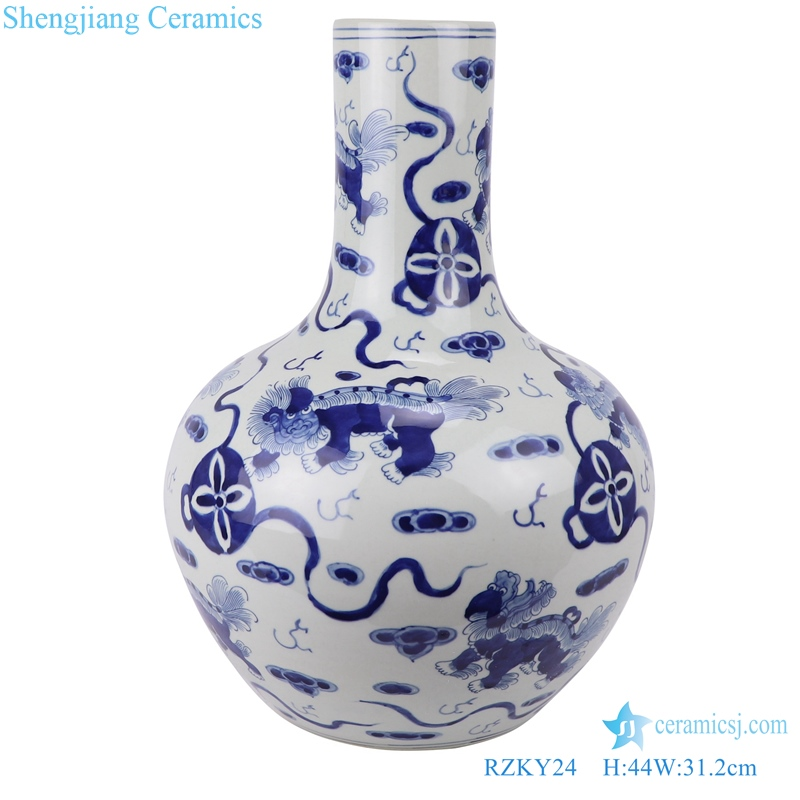 Jingdezhen archaize blue and white vase -The lion held the ball