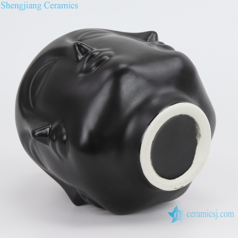 Jingdezhen matte black porcelain vase bottom view