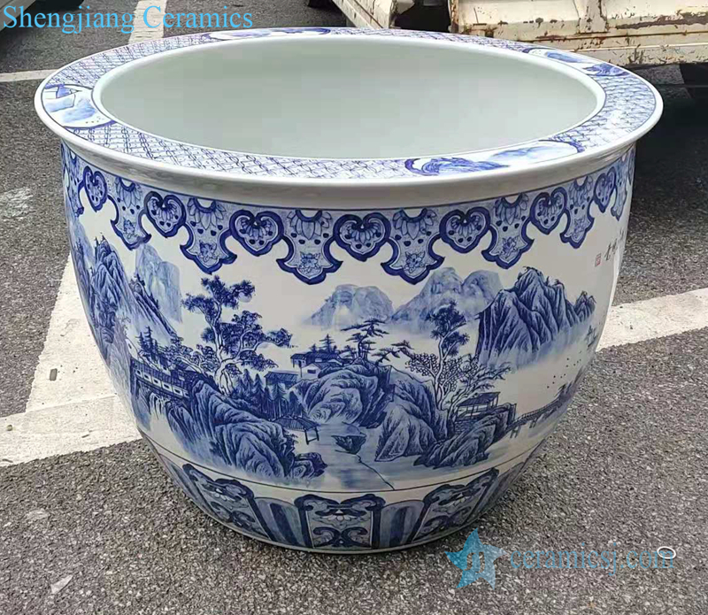 Jingdezhen traditional blue and white ceramic tank middle