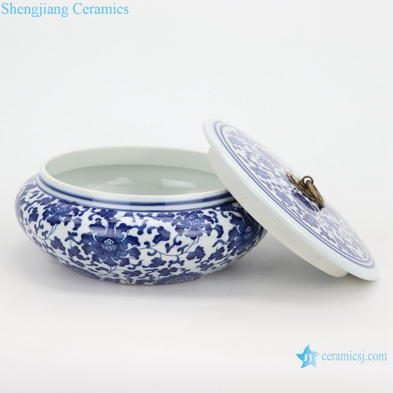 Tea canisterswrapped lotus pattern side view