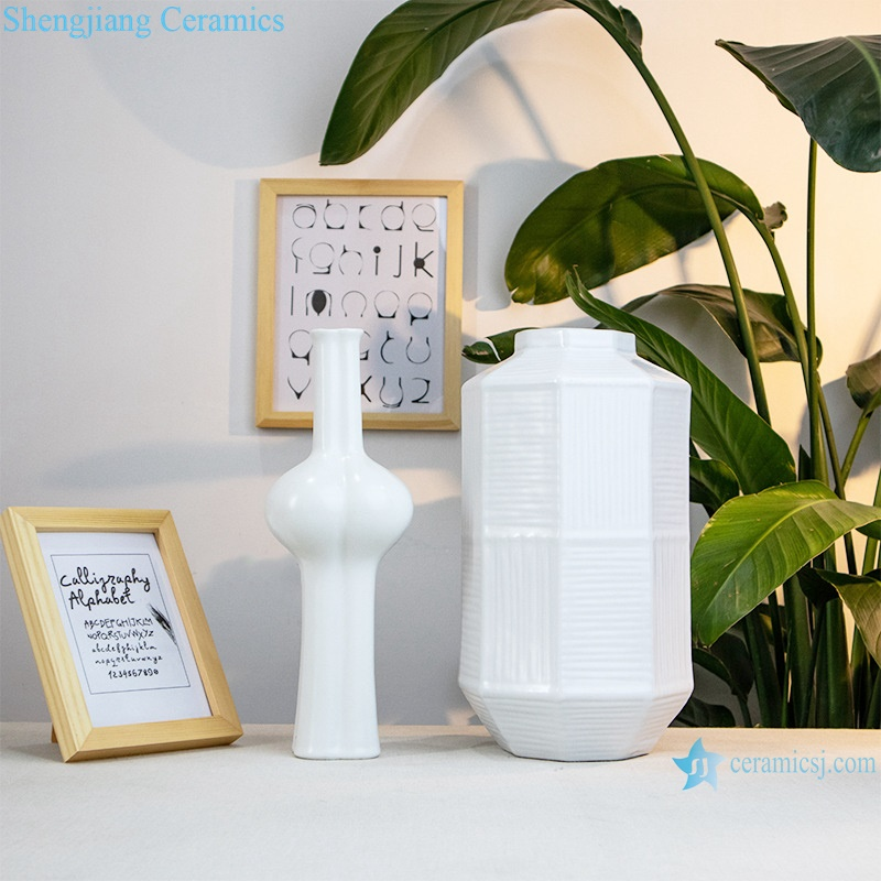 White decorative poecelain artwork flower arrangement RZRV21-A-B