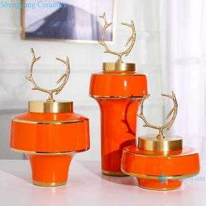 RZRV38-A-B-C Red ceramic vase with gold-plated copper cover