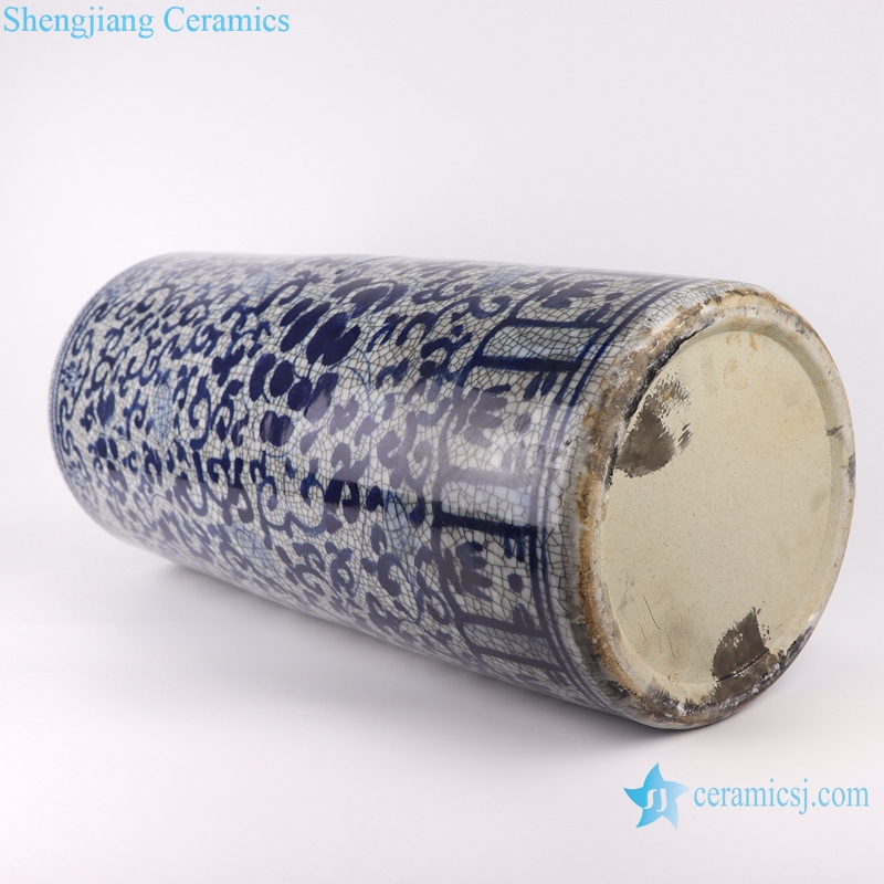 Chinese handmade blue and white decorative crack ceramic vase
