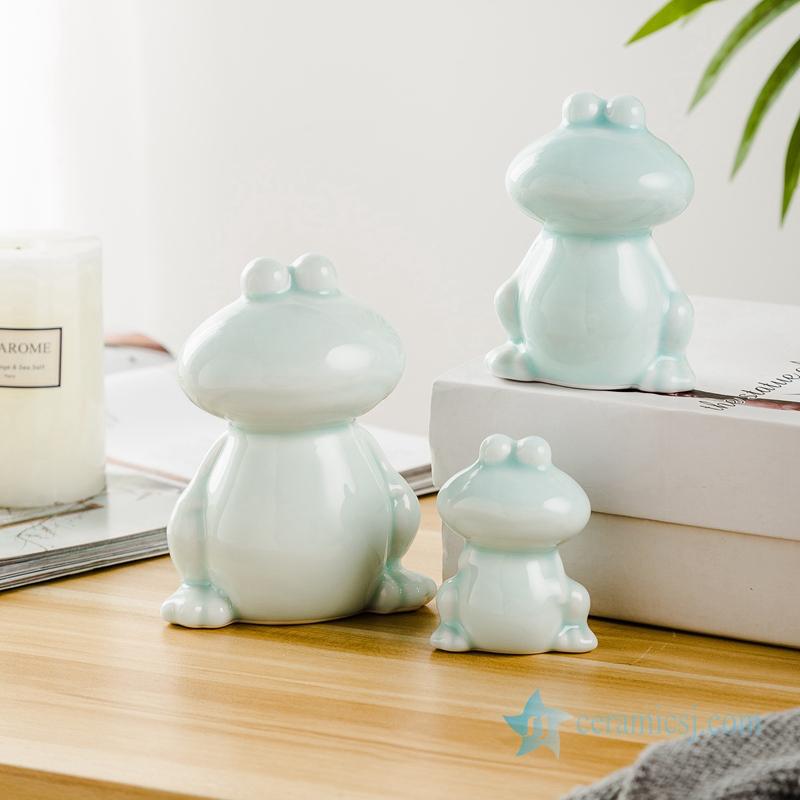 Three pieces of green glaze frog sculpture ceramic decoration figurine