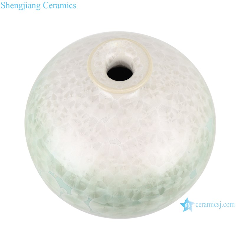 RYYX04 Handmade Crystal glaze ceramic vase with white flowers green background-top view
