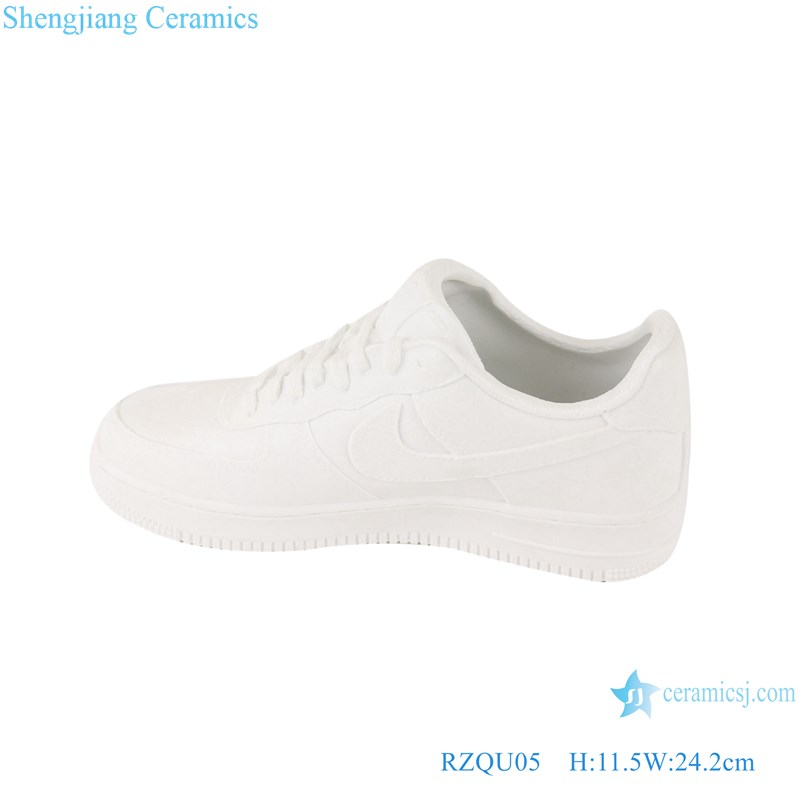 RZQU05 Colour glaze engraving matte pure white Nike ceramic shoes for decoration-main figure