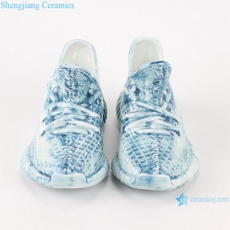 RZQU07 Color glaze engraving denim plaid zipper grain small ceramic shoes for decoration-front view