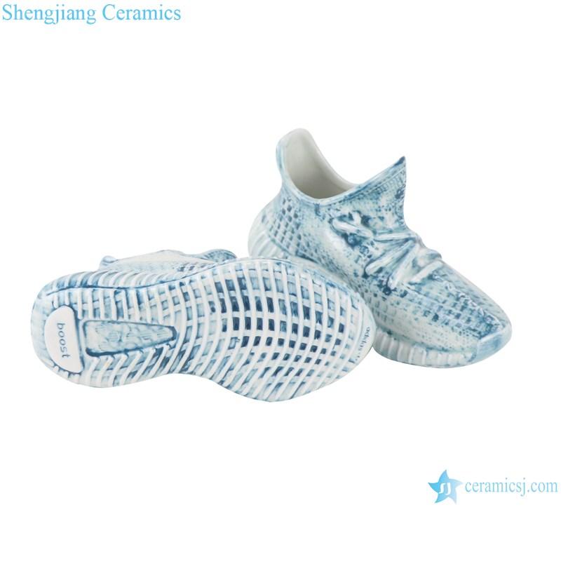 RZQU07 Color glaze engraving denim plaid zipper grain small ceramic shoes for decoration-profile- bottom view