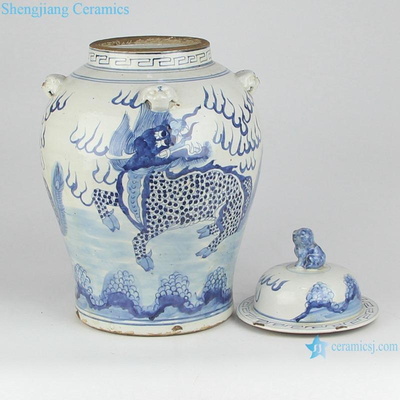 RZMV34-E Blue and white unicorn lion head general pot