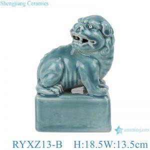 RYXZ13-B Color glaze shadow blue carved poodle figurines decoration