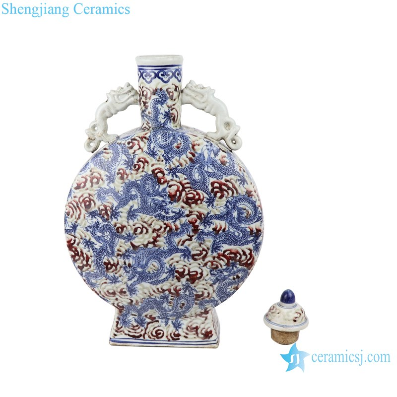 Blue and white Chinese style antique court wine pot with lid
