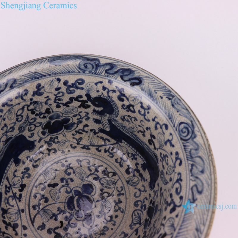 RZTL04 Blue and white bowl with cracked lion pattern decoration