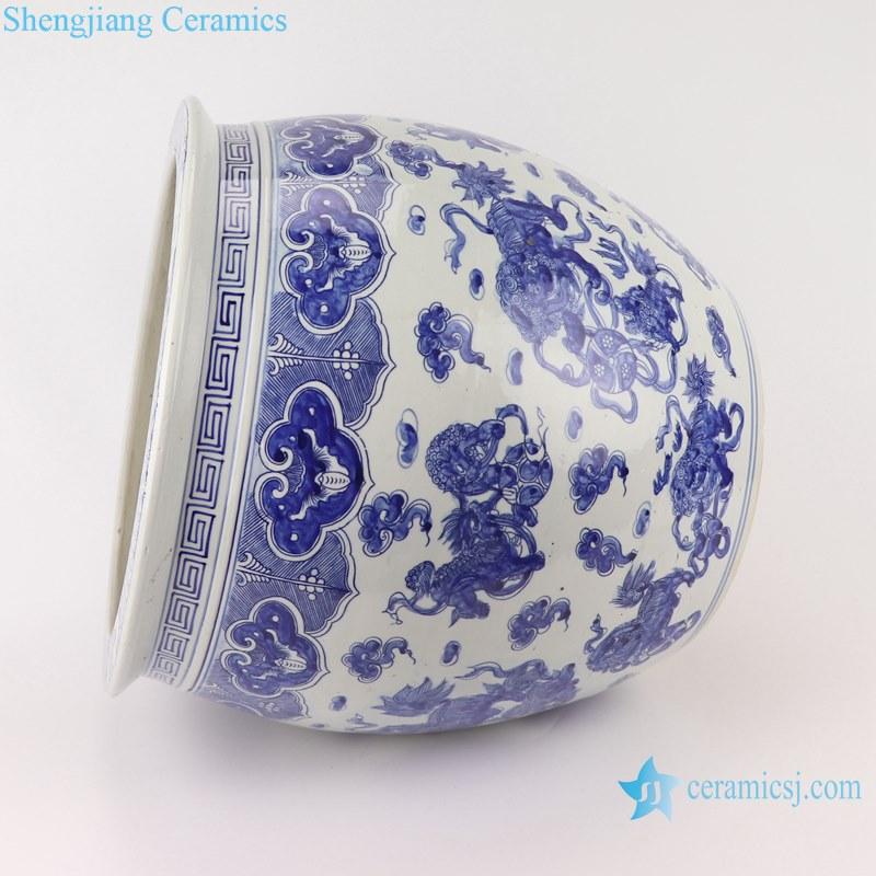 Blue and white handmade porcelain pots of animals design