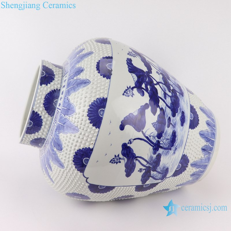 Blue&white handmade porcelain pots of lotus design storage pot