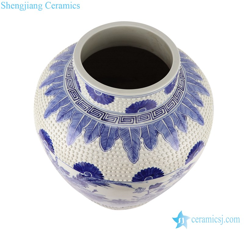 Blue&white handmade porcelain flower&birds design storage pot