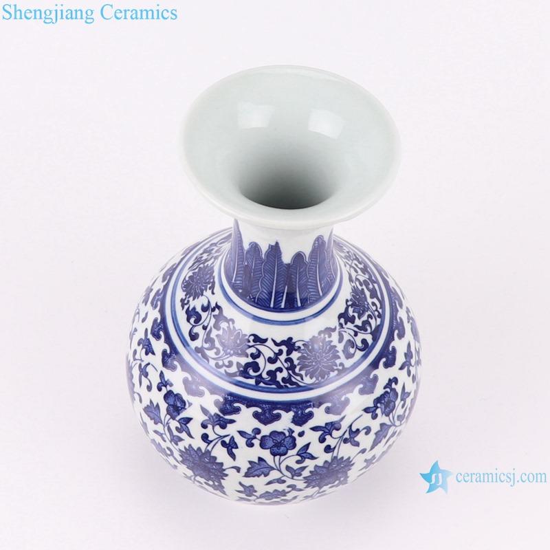 RZNV29 Blue and White Winding Ceramic bottle Porcelain Tabletop Small Vase